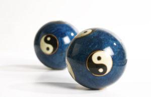 yin-yang-1307516-1279x824